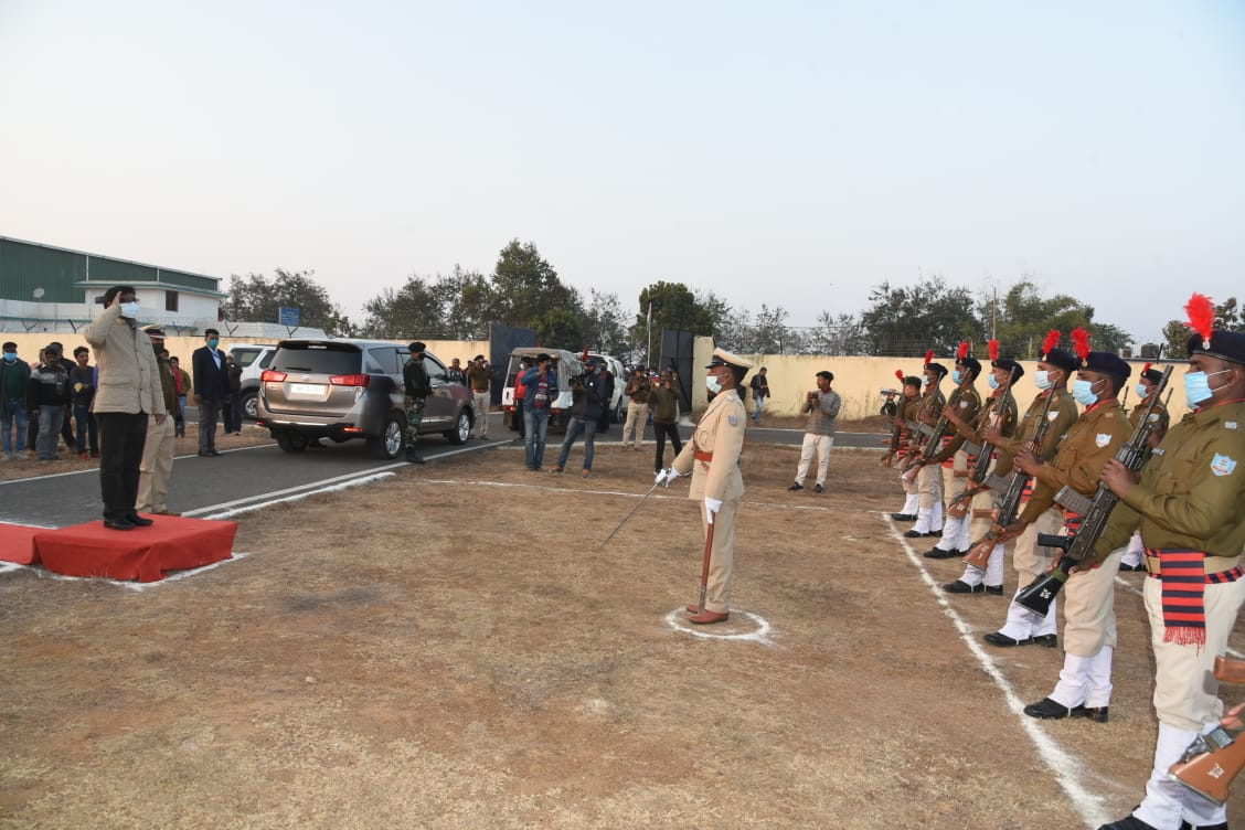 Warm welcome with Guard of Honor (Dumka Airport)
